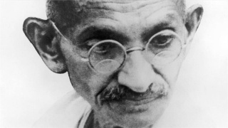 brand_bio_bio-shorts_gandhi-mini-biography_0_172233_sf_hd_768x432-16x9