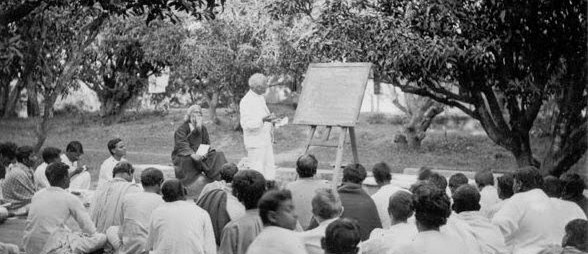rabindranath-tagore-rare-photos-year-1921-1930-6