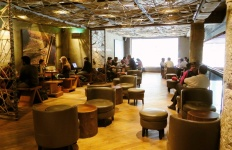 Starbucks-Connaught-Place-Delhi-1030x773