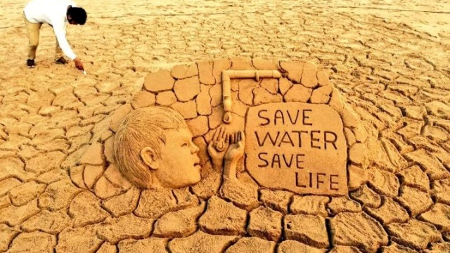xSand-artist-SudarsanPattnaik-creates-a-sand-art-with-message-Save-Water-Save-Life-amid-water-crisis-SaveWater.jpg.pagespeed.ic.0N2jXNa0og