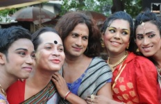 16042016-Transgenders-celebrate-Hijra-Day-transgenders-day-in-Kolkata-on-April-15-2016-840x420