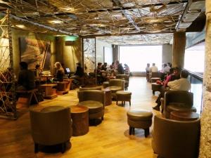 Starbucks-Connaught-Place-Delhi-1030x773