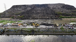 ghazipur-garbage-landfill-collapses_53c33eae-8f42-11e7-af36-115e347150c8