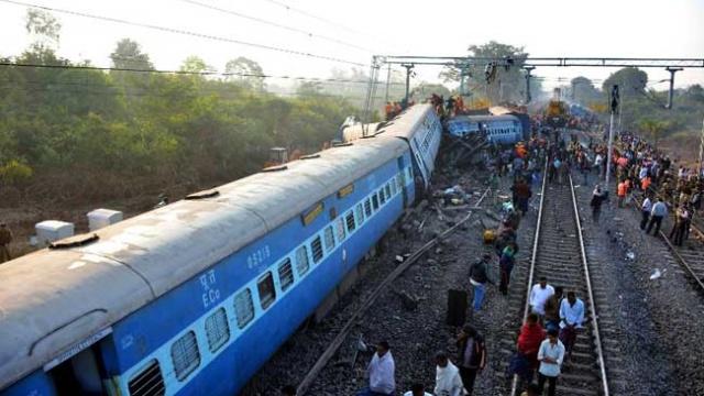 hirakhand-express-accident-afp_650x400_61485084349