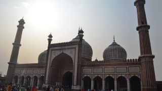 Not very far from the place where the book market is held every Sunday is one of the largest mosques of India- the Jama Masjid. This gigantic and expanded structure was built in 1656 by Emperor Shah Jahan. It is built in traditional Islamic architecture and boasts of grandeur and beauty. Many people continue to come here to feel the peaceful vibrations of this holy site. Photography : Kabir