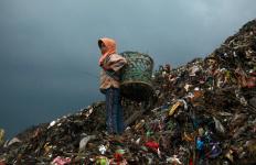 120423051627-jakarta-landfill-horizontal-large-gallery